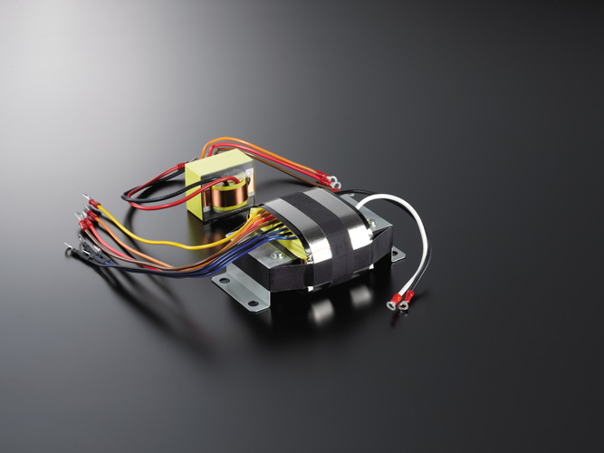 Large capacity, highly stable power supply circuit